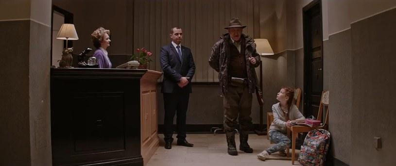 """Screen z 10. odcinka """"Ucha Prezesa"""" /YouTube"""