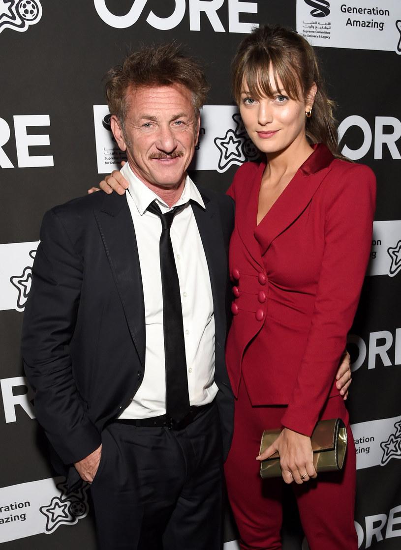 Sean Penn i Leila George /Michael Kovac /Getty Images