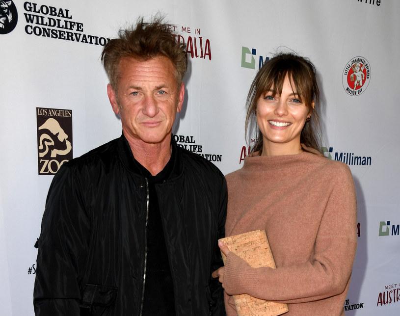 Sean Penn i Leila George / Kevin Winter /Getty Images