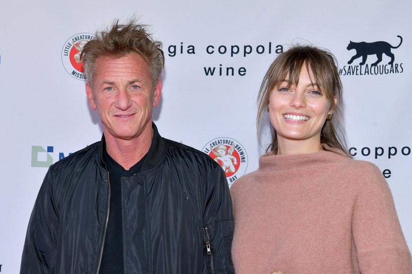 Sean Penn i Leila George /Rodin Eckenroth /Getty Images
