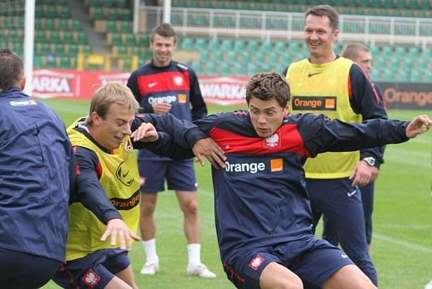 Sebastian Boenisch (z prawej) w trakcie treningu rywalizuje z Kamilem Grosickim/fot. A. Grupa /INTERIA.PL