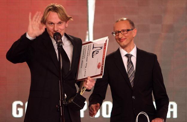Sebastian Mila odbiera nagrodę tygodnika Piłka Nożna dla najlepszego ligowca roku /PAP