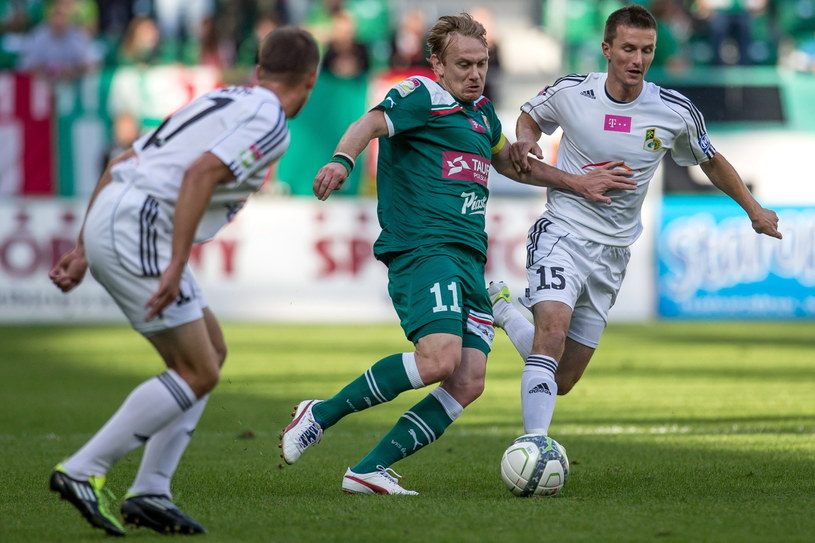 Sebastian Mila zaliczył dwie asysty w meczu z GKS Bełchatów /Fot. Maciej Kulczyński /PAP