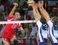 Sebastian Świderski ma oferty z najbardziej utytułowanych włoskich klubów /www.fivb.org