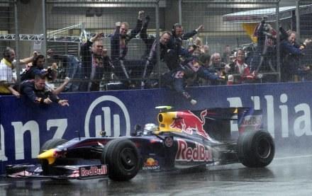 Sebastian Vettel na torze w Szanghaju. /AFP