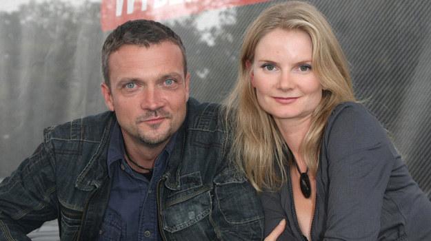 Sebastian Wątroba i Joanna Czechowska to zgrany duet. Często pomaga im komisarz Anna Palka /Engelbrecht /AKPA