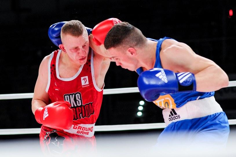 Sebastian Wiktorzak (czerwony strój) /Mirosław Szozda /Newspix
