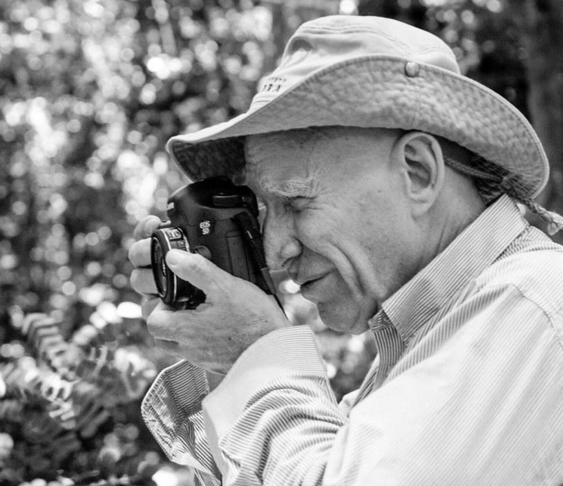 """Sebastiao Salgado zapracował sobie na przydomek """"fotografa rynsztoków"""" - to właśnie ludzka bieda i nieszczęście są głównymi bohaterami jego prac /Image supplied by Capital Pictures/EAST NEWS /East News"""