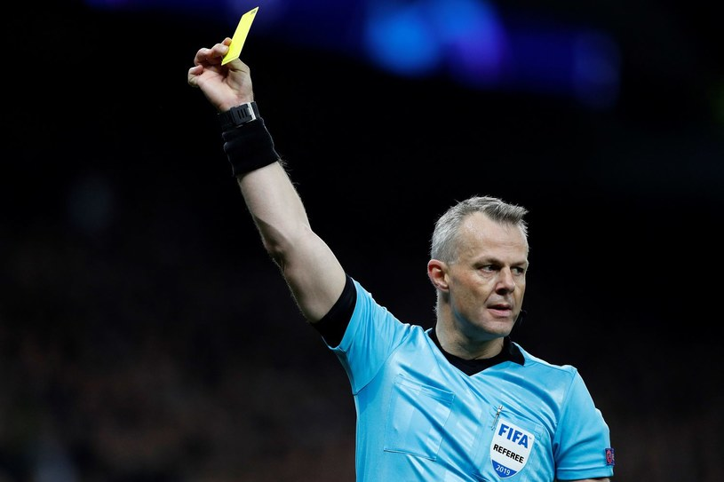 Sędzia Bjoern Kuipers poprowadzi półfinał LM FC Barcelona - Liverpool FC /ADRIAN DENNIS /AFP