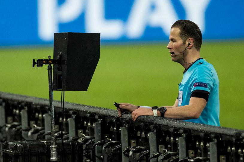 Sędzia Danny Makkelie podczas meczu Borussii Mönchengladbach z Interem Mediolan /ESPA Photo Agency/CSM via ZUMA Wire /Newspix