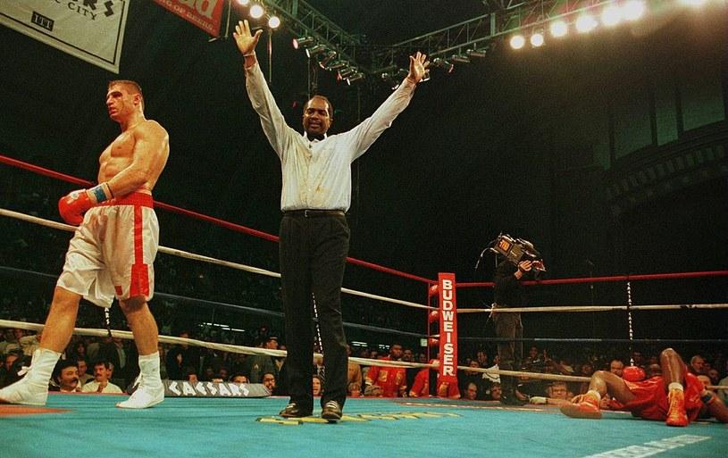 Sędzia Eddie Cotton nie żyje. Był jednym z najlepszych arbitrów ringowych /Getty Images