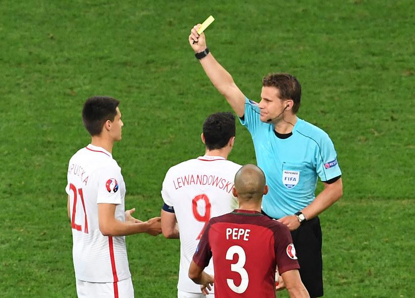 Sędzia Felix Brych podczas meczu Polska - Portugalia na Euro 2016 /AFP