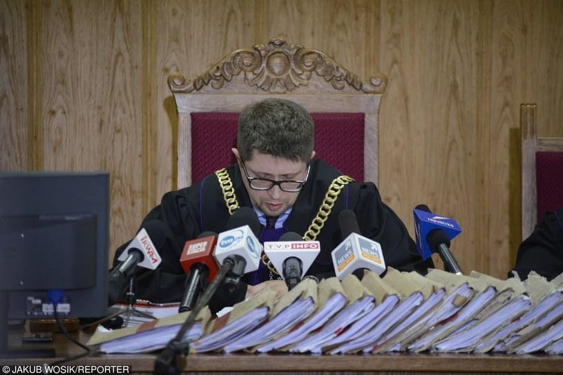 Sędzia Łączewski w czasie ogłaszania wyroku w sprawie tzw. afery gruntowej - uznano winę Mariusza Kamińskiego /JAKUB WOSIK/REPORTER /Reporter