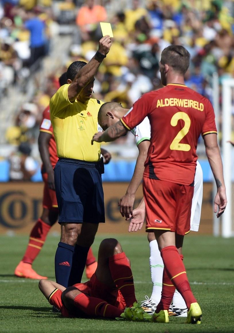 Sędzia Marco Rodriguez podczas meczu Belgii z Algierią /AFP
