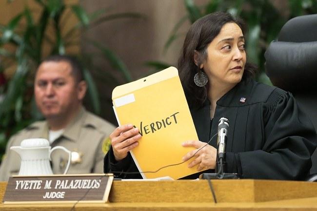 Sędzia ogłasza werdykt. /ROBERT GAUTHIER /PAP/EPA