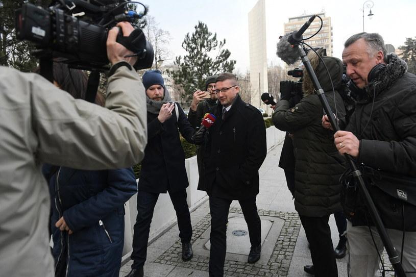 Sędzia Paweł Juszczyszyn w drodze do Kancelarii Sejmu / Marcin Obara  /PAP