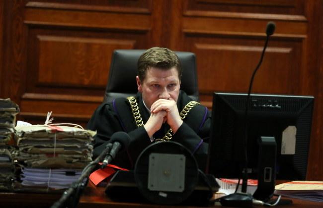 Sędzia Piotr Schab na sali rozpraw w sprawie b. szefa CBA Mariusza Kamińskiego i innych b. członków kierownictwa Biura /Tomasz Gzell /PAP