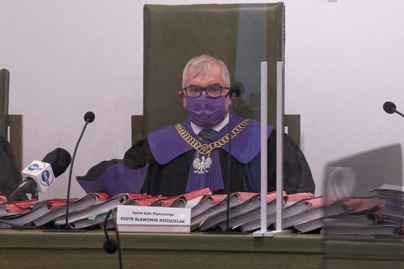 Sędzia Piotr Sławomir Niedzielak na rozprawie Izby Dyscyplinarnej Sądu Najwyższego w Warszawie /Mateusz Marek /PAP