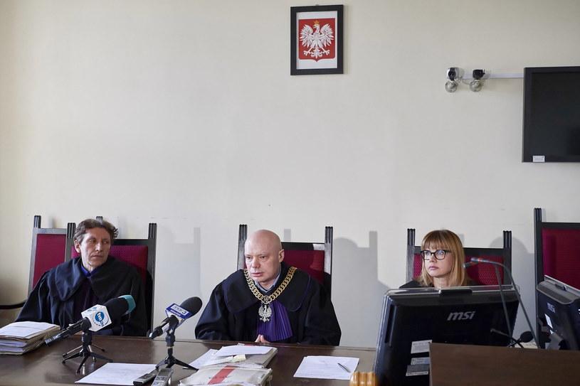 Sędzia Przewodniczący Marek Skwarcow, SSO Dagmara Daraszkiewicz i SSO Mariusz Pasternak podczas ogłoszenia wyroku w procesie odwoławczym Dominika W /Adam Warżawa /PAP