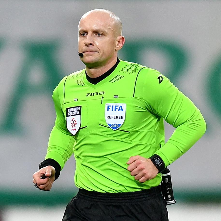 Sędzia Szymon Marciniak w meczu polskiej Ekstraklasy: Lechia Gdańsk vs Pogoń Szczecin /Marcin Gadomski /PAP
