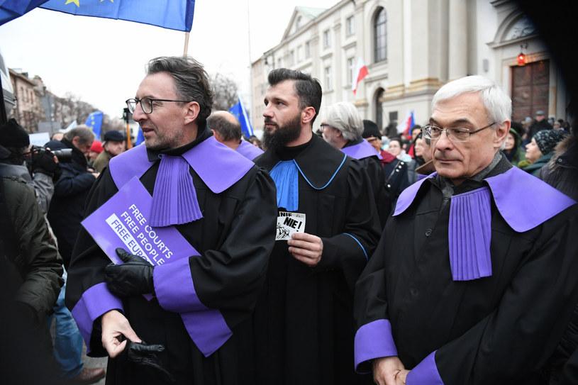 """Sędziowie na """"Marszu Tysiąca Tóg"""" /Jacek Domiński /Reporter"""