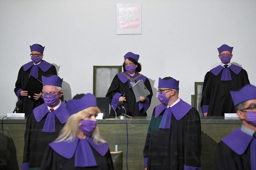 Sędziowie Sądu Najwyższego podczas posiedzenia / Radek Pietruszka   /PAP