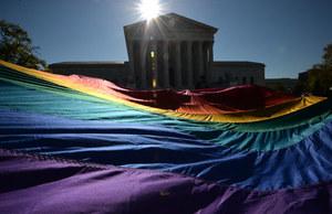 Sędziowie spierają się o małżeństwa homoseksualne