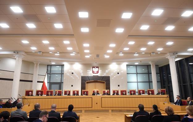 Sędziowie Trybunału Konstytucyjnego podczas ogłoszenia wyroku ws. konstytucyjności zmian w OFE /PAP