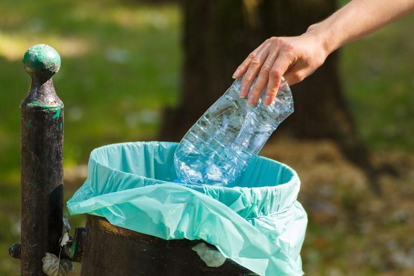 Segregacja śmieci to wciąż problem /123RF/PICSEL