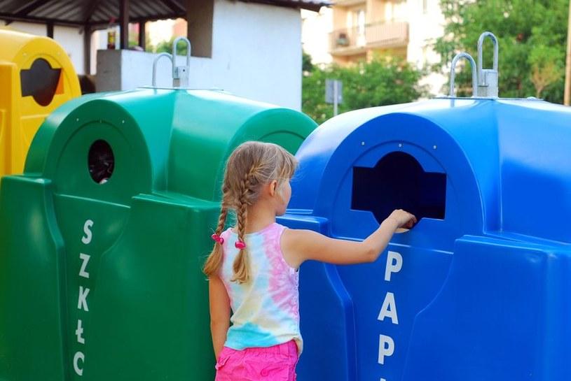 Segregowanie śmieci /©123RF/PICSEL