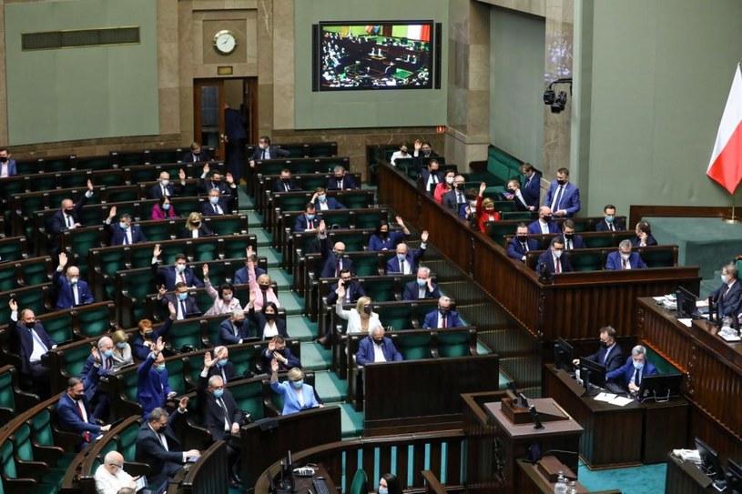 Sejm: Głosowanie nad ratyfikacją Funduszu Odbudowy /Rafał Guz /PAP
