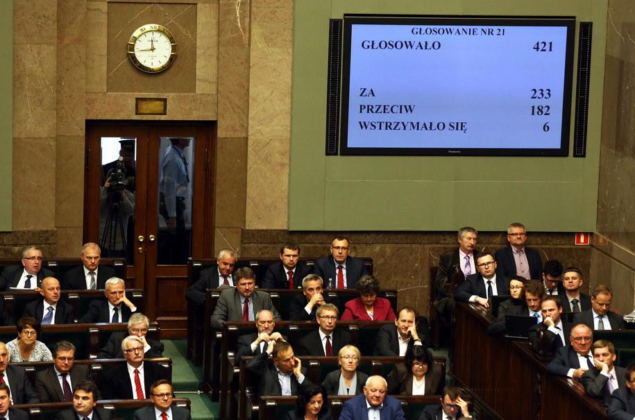 Sejm odrzucił projekt zaostrzający prawo aborcyjne /Tomasz Gzell /PAP