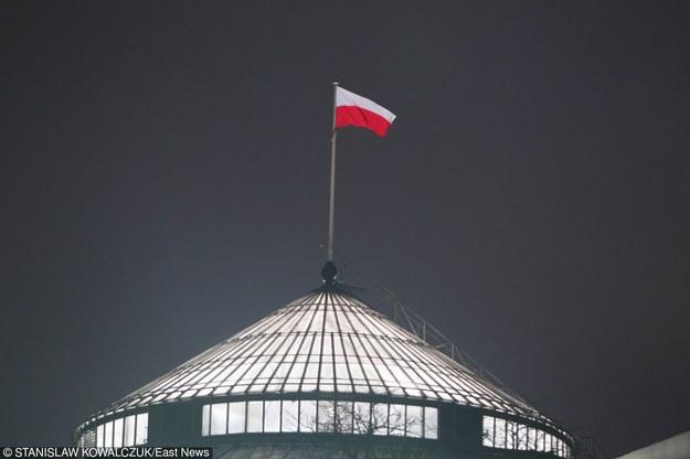 Sejm pracuje teraz także nocą /Stanisław Kowalczuk /Super Express