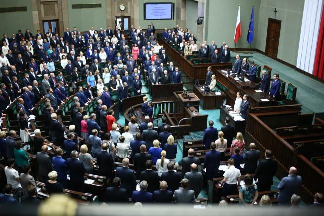 Sejm przez aklamację przyjął uchwałę w sprawie uczczenia 60. rocznicy Poznańskiego Czerwca 1956 /Łukasz Szymański /PAP