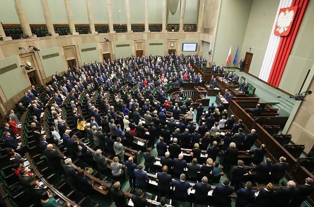 Sejm przyjął ustawę przeciw wyłudzeniom VAT /PAP