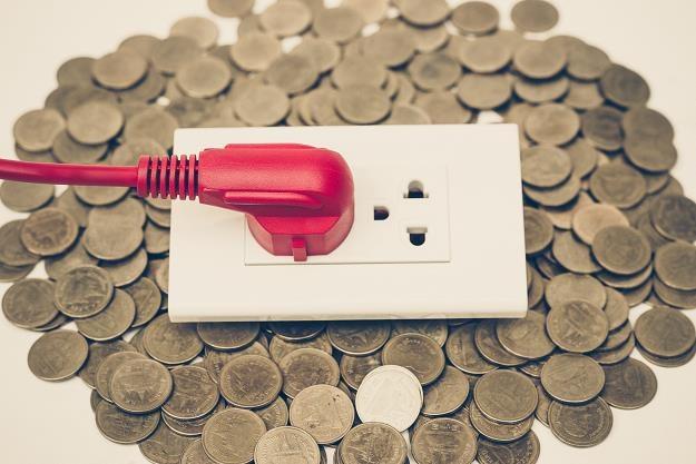 Sejm uchwalił ustawę m.in. obniżającą akcyzę na energię elektryczną /©123RF/PICSEL