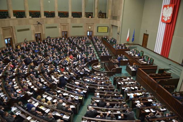 Sejm uchwalił ustawę ws. zasiłków dla opiekunów dorosłych niepełnosprawnych