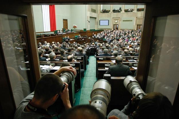 Sejm zajmie się zmianami dotyczącymi odliczeń VAT od samochodów. Fot. Michał Dyjuk /Reporter
