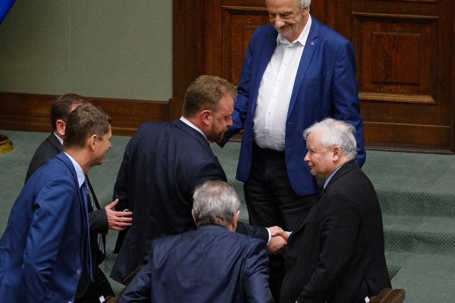 """Sejmowa komisja finansów już w piątek o 12:30 może zająć nowym kontrowersyjnym projektem """"ustawy covidowej"""" autorstwa posłów Prawa i Sprawiedliwości /Mateusz Marek /PAP"""