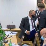 Sejmowa komisja zajmuje się immunitetem szefa NIK. Marian Banaś wyszedł z sali
