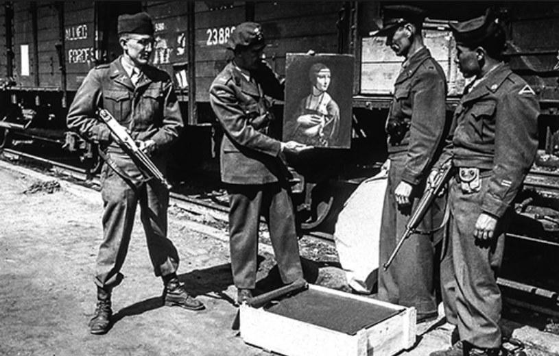 Sekcja Zabytków, Dzieł Sztuki i Archiwów odzyskała setki tysięcy zagrabionych dzieł /US Army /materiały prasowe