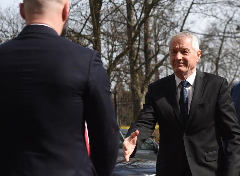 Sekretarz generalny Rady Europy Thorbjoern Jagland w drodze na spotkanie z ministrem sprawiedliwości, prokuratorem generalnym Zbigniewem Ziobrą w Warszawie /Radek Pietruszka /PAP