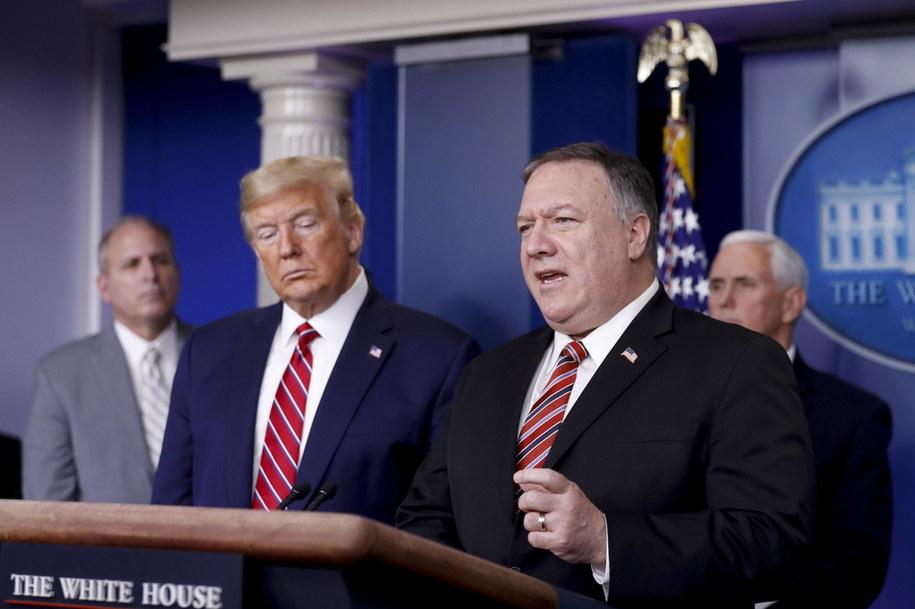 Sekretarz stanu USA Mike Pompeo (po prawej) i prezydent USA Donald Trump /AL DRAGO / POOL /PAP/EPA