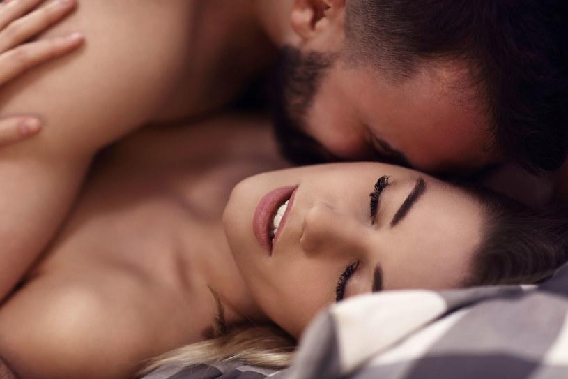 Seks jest czynnikiem, który łagodzi lęk, dlatego nie warto z niego rezygnować /123RF/PICSEL