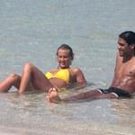 Seksowny piłkarz na plaży w Miami