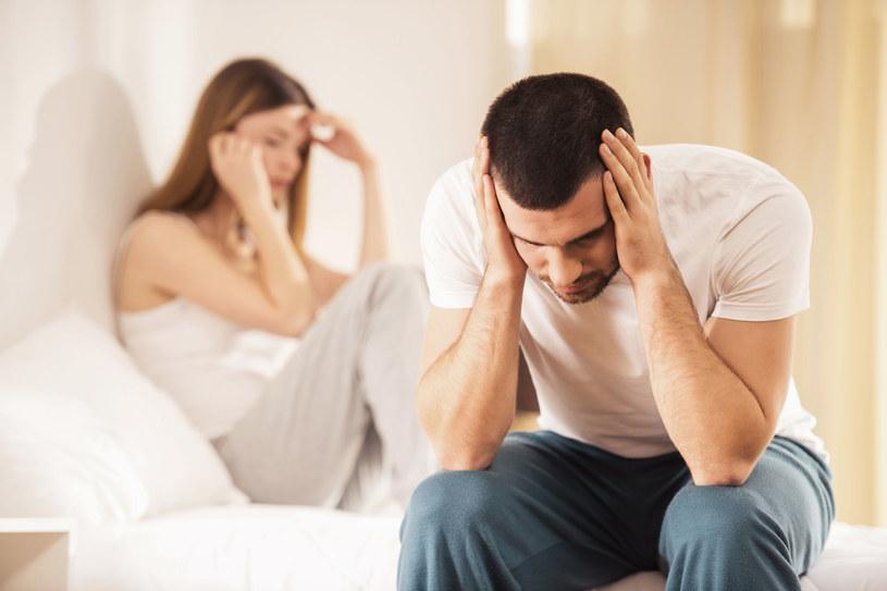 """""""Seksualne niepowodzenie"""" u mężczyzn wynika najczęściej z lęku przed porażką /123RF/PICSEL"""
