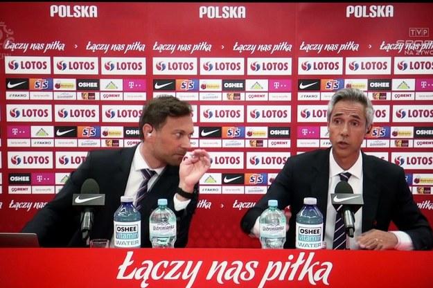 Selekcjoner piłkarskiej reprezentacji Polski Paulo Sousa oraz rzecznik PZPN / Leszek Szymański    /PAP