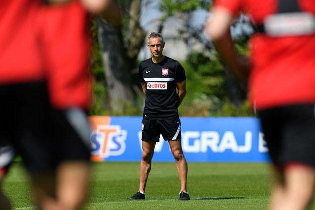 Selekcjoner piłkarskiej reprezentacji Polski Paulo Sousa podczas treningu kadry w Opalenicy /Jakub Kaczmarczyk /PAP