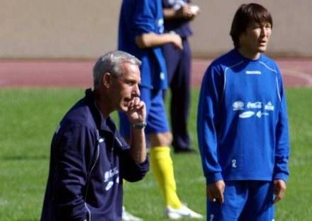 Selekcjoner reprezentacji Kazachstanu Arno Pijpers podczas treningu /INTERIA.PL