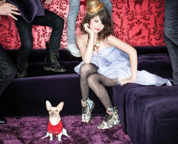 """Selena Gomez stała się popularna za sprawą serialu """"Wizards of Waverly Place"""" /Universal Music Polska"""